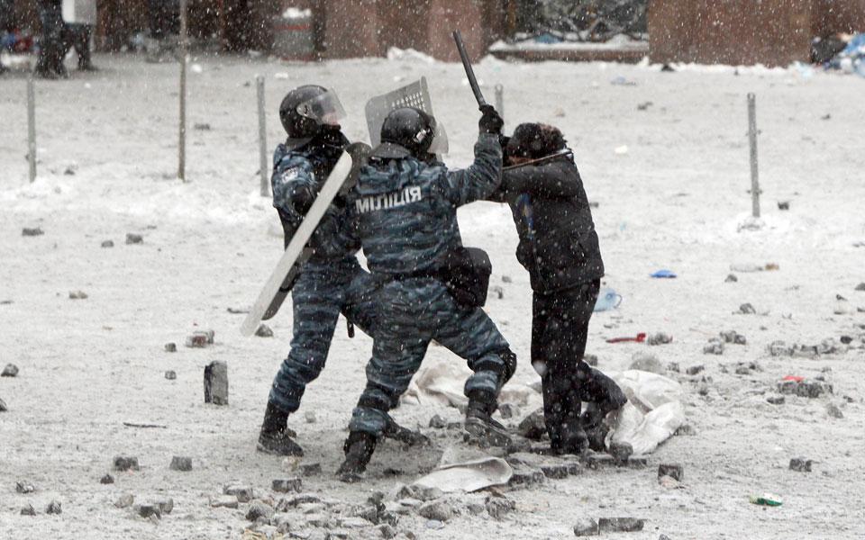 two-riot-pol