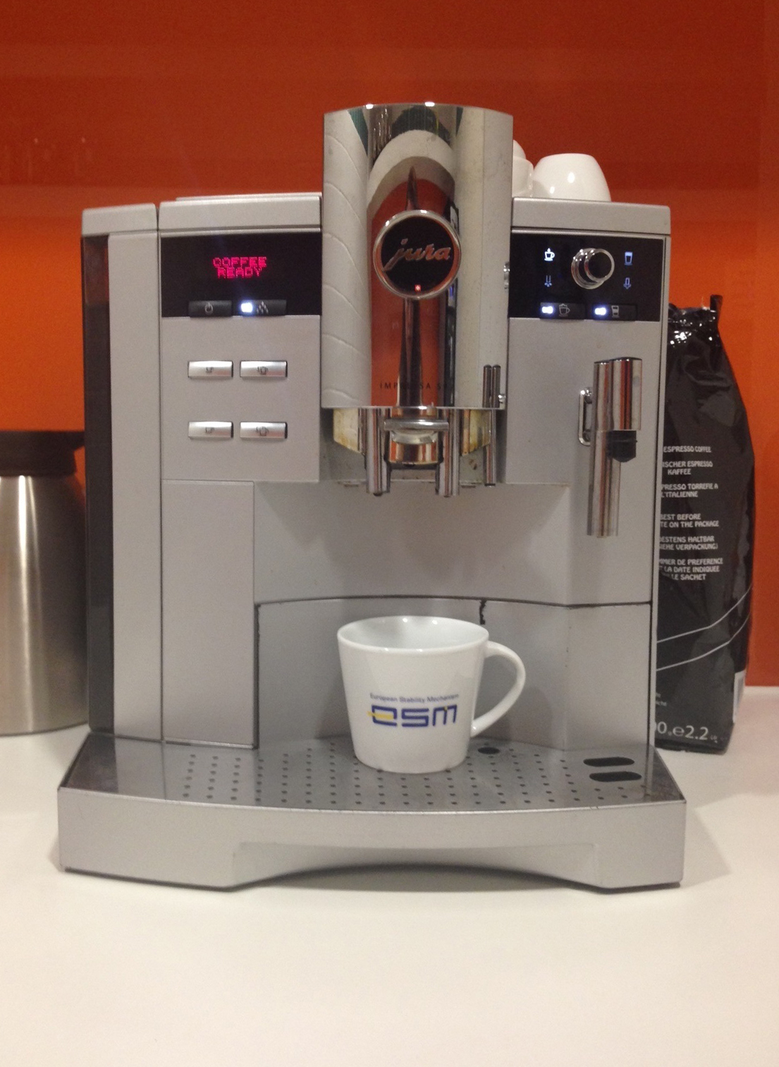 coffee-machine-with-mug