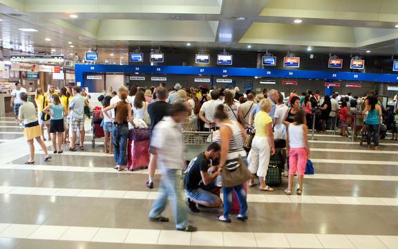 touristes-aerodromio_3