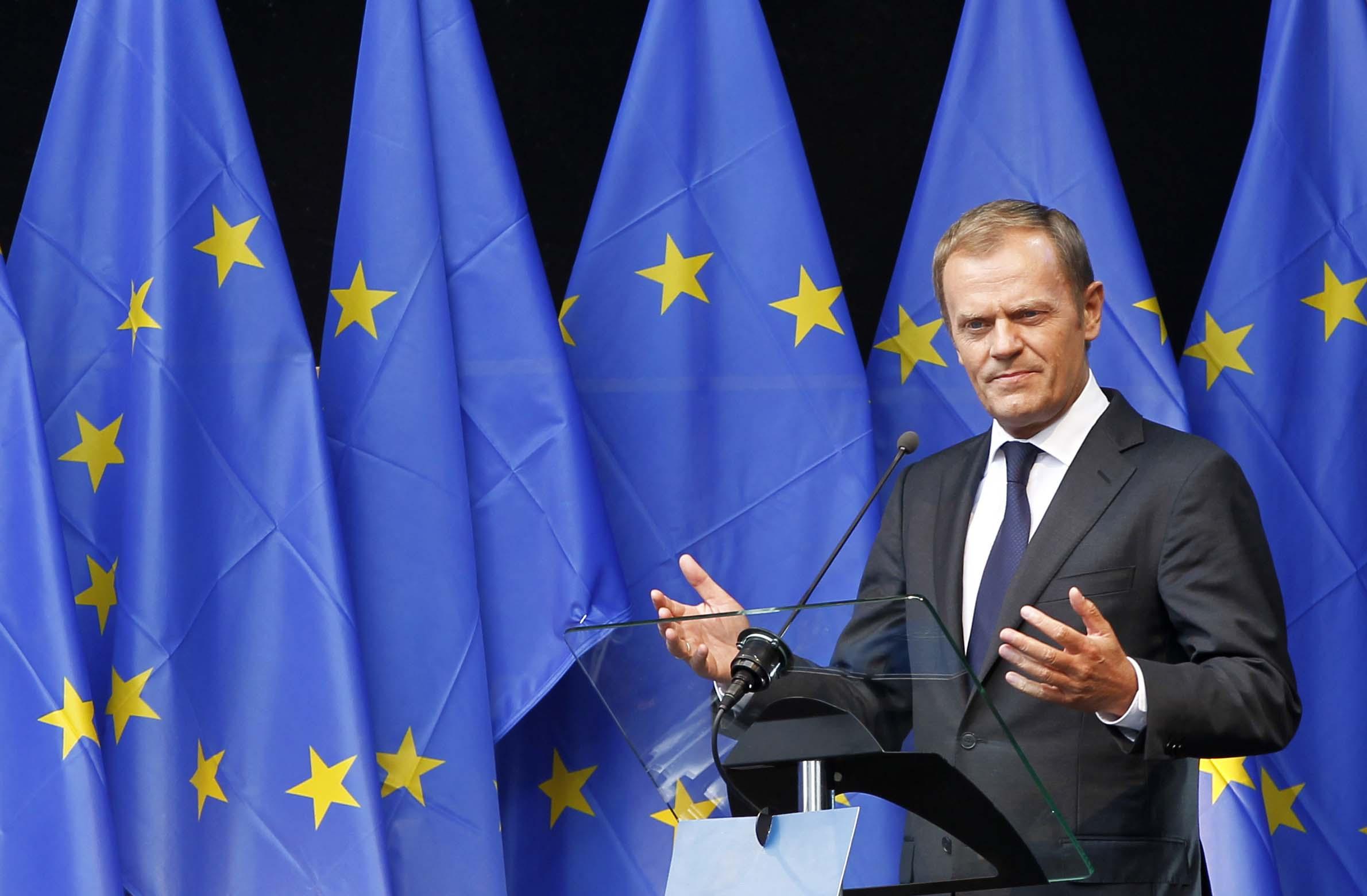 donaldtusk_eu_flags