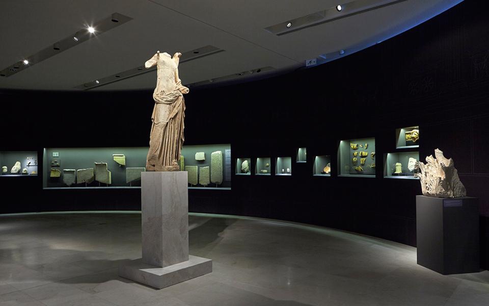 acropolis-museum_samothrace_068_photography-giorgos-vitsaropoulos
