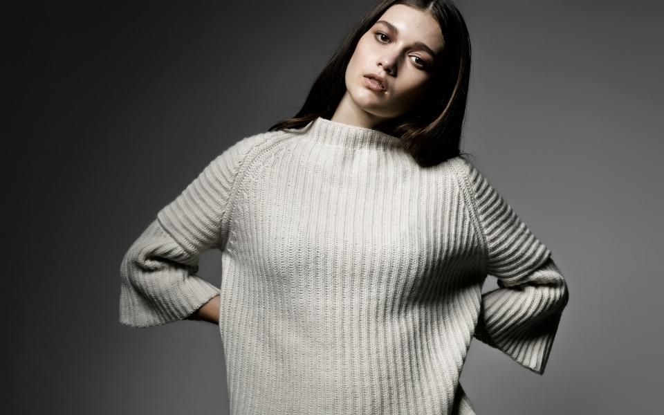 sarah-sweater-campaign
