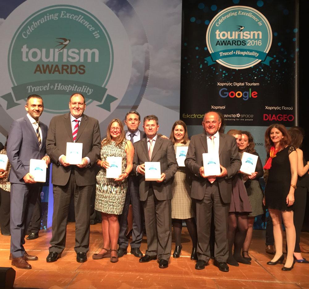 o-kos-vasilhs-mhnadakhs-genikos-diey8ynths-ths-grecotel-me-stelexh-toy-omiloy-kata-thn-aponomh-twn-tourism-awards-2016