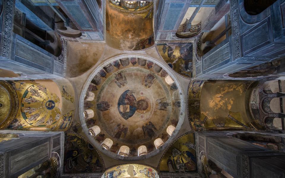 Πάσχα με ανοιχτές εκκλησίες και self test σχεδιάζουν κυβέρνηση και ειδικοί - Τι ζητά η Ιερά Σύνοδος