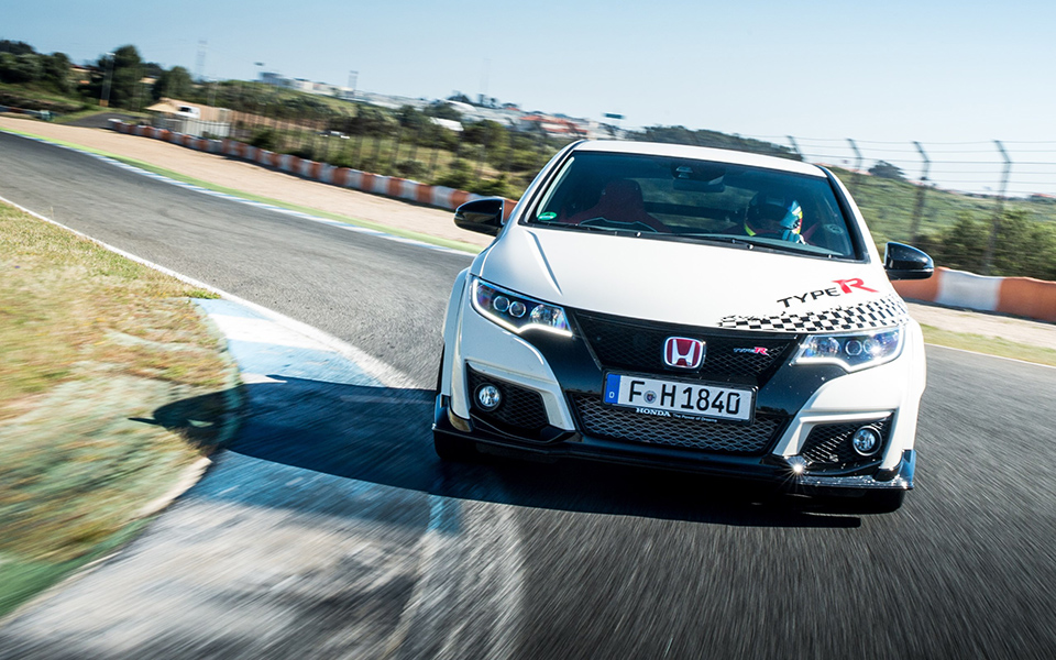 73924_honda_civic_type_r_sets_new_benchmark_time_at_estoril_with_wtcc_safety--1