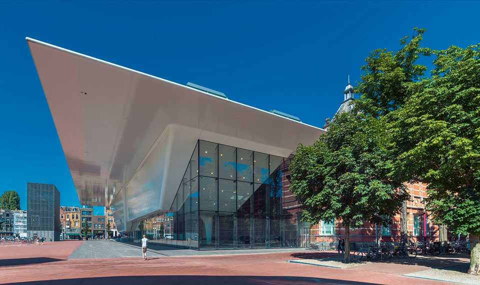 2-stedelijk-museum-facade