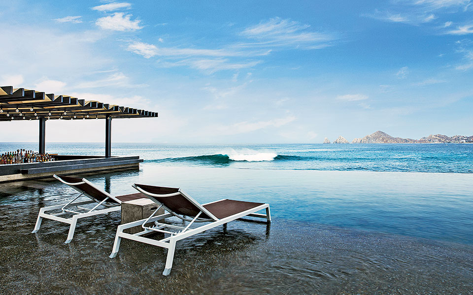 infinity-pool---the-cape-a-thompson-hotel---photo-credit-thomas-hart-shelby
