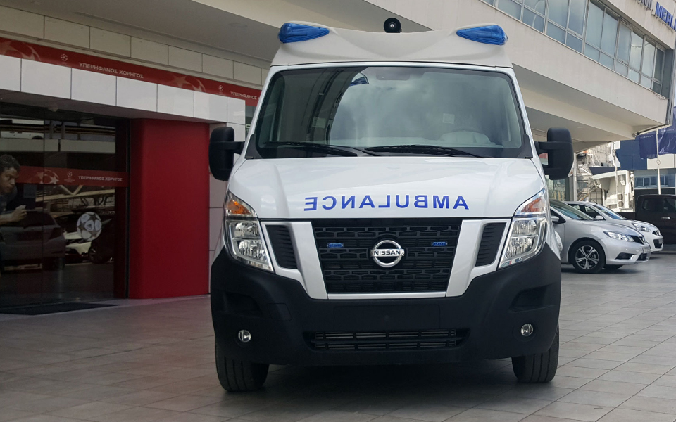 nv400-ambulance1