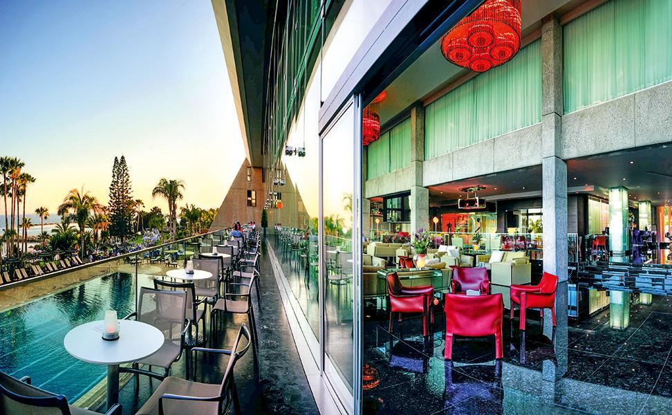 lobby---terrace--pool-3