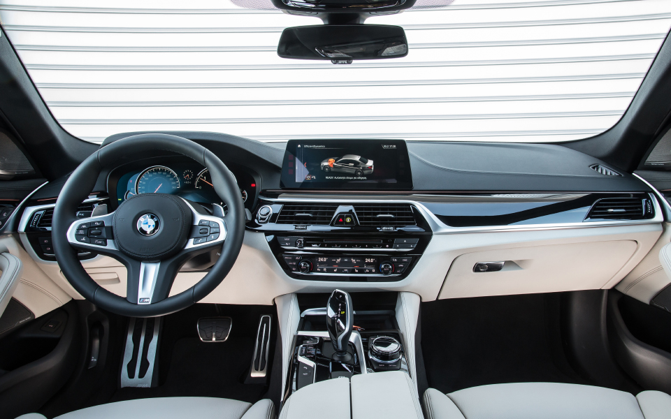p90252662_highres_the-new-bmw-5-series