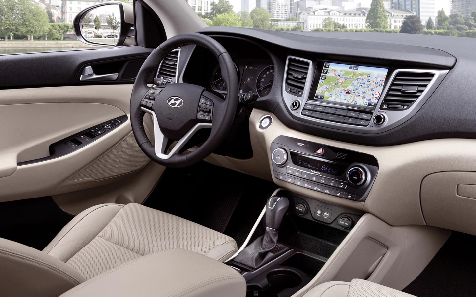 all-new-tucson-interior-white-sand