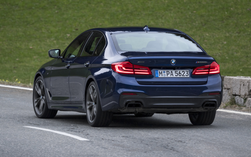 p90254991_highres_the-new-bmw-m550i-xd