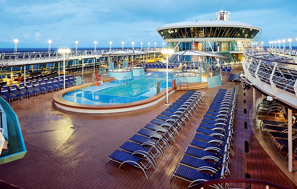 rci_rh-pooldeckfw1_navigator-ths-royal-caribbean-international