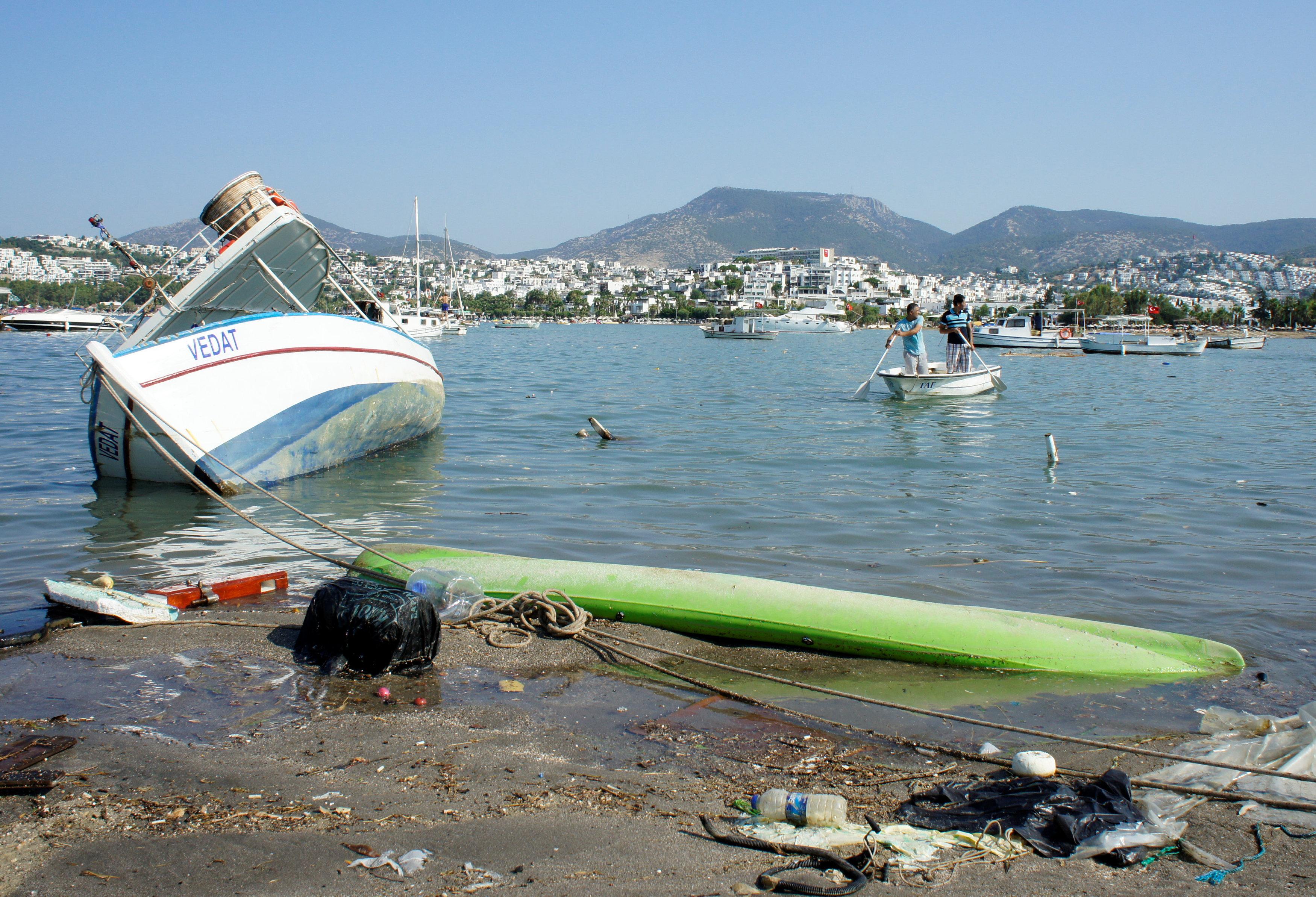 damaged-boat_1