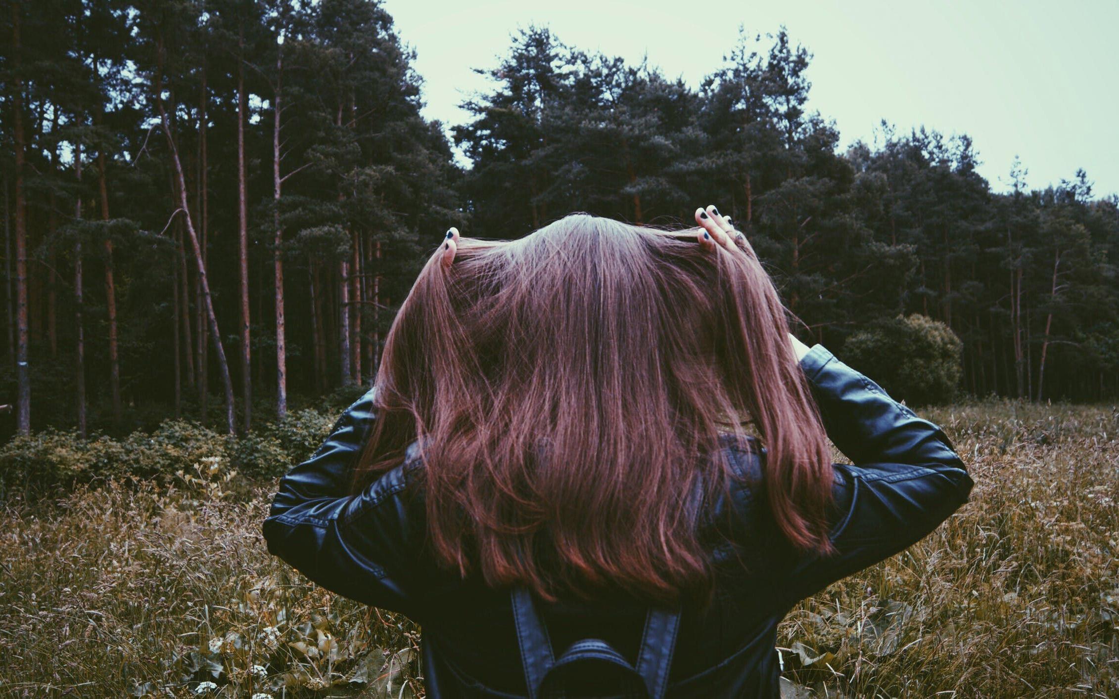 hair-girl-forest
