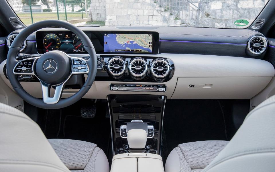 mercedes-benz-a-class-2019-1600-62