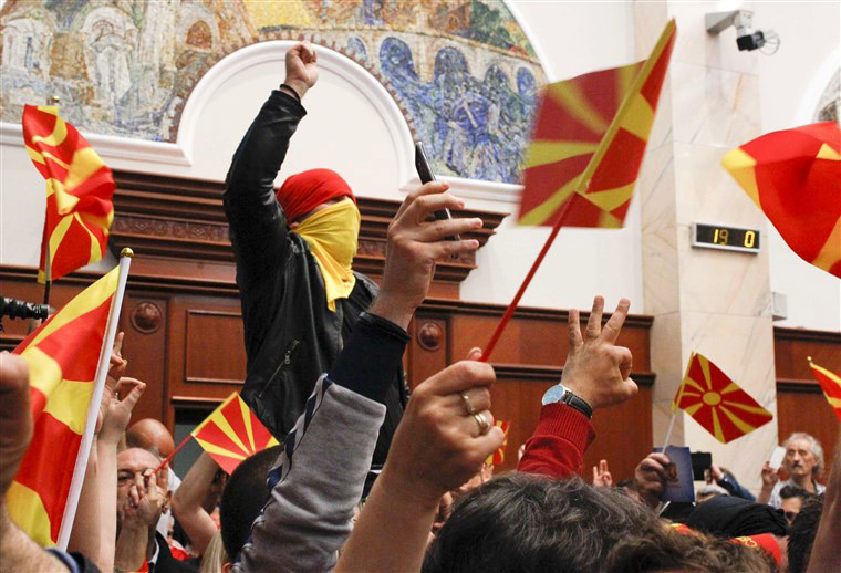 170428-macedonia-political-unrest-ac-936a_fb54b19ec88695d7717016370f6a0b48fit-760w