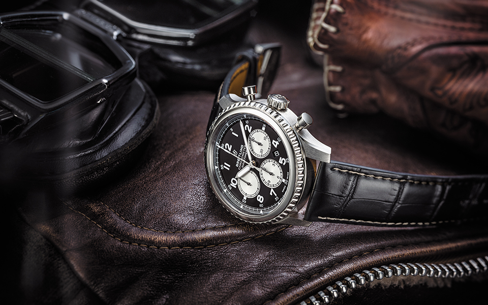 navitimer-8-b01-with-black-dial-and-black-alligator-leather-strap-960