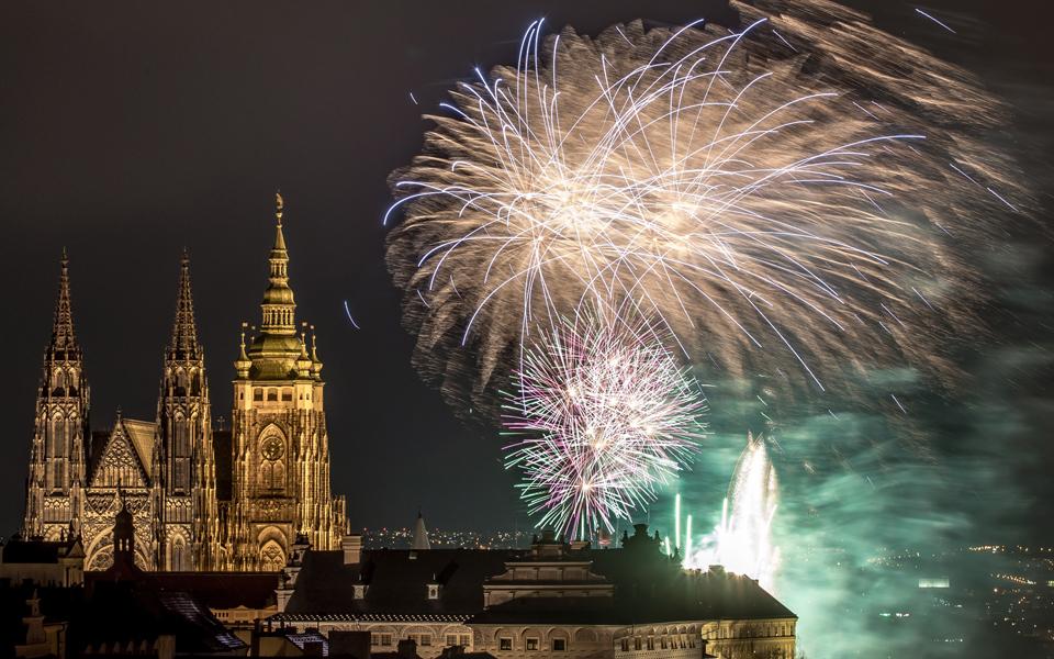 fireworks-on