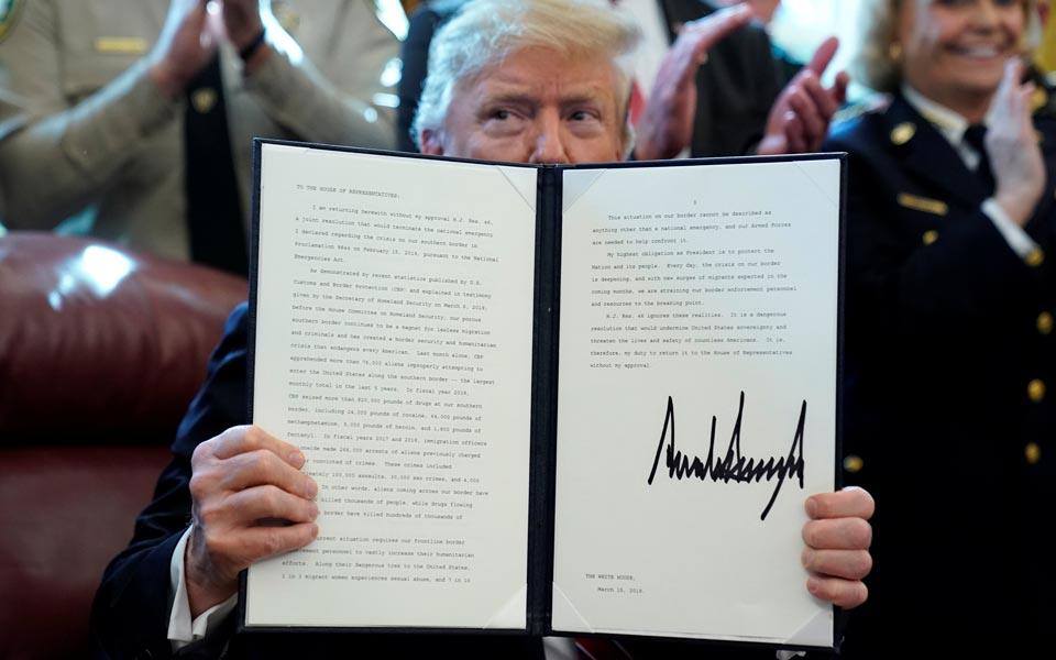 trump-veto3434