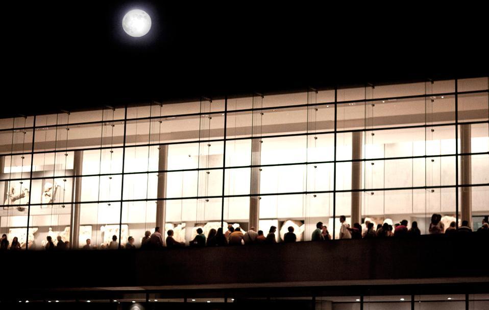 acropolis-museum_august-full-moon_1-thumb-large