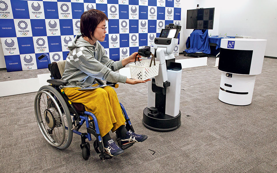 human_supportdelivery_robots-3465