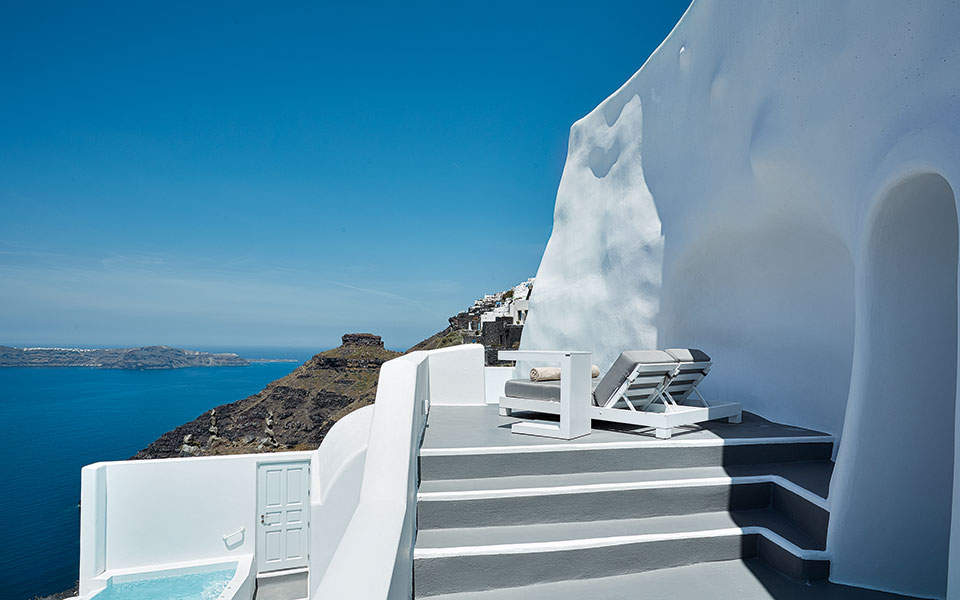 eden-villas-by-canaves-oia---superior-two-bedroom-villa-with-plunge-pool-5