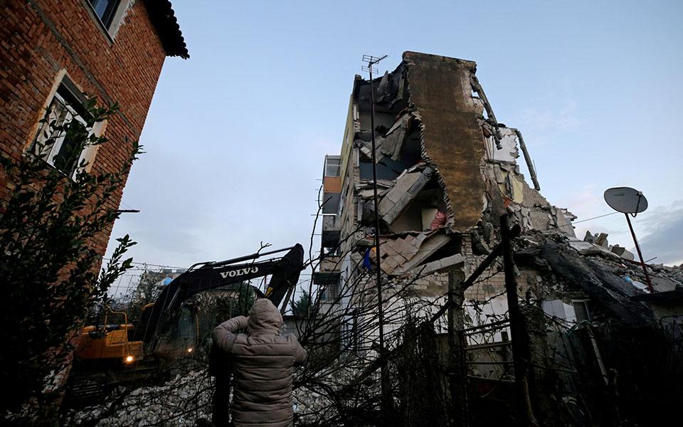 2019-11-26t075449z_1720327095_rc2tid9w0ra5_rtrmadp_5_albania-quake