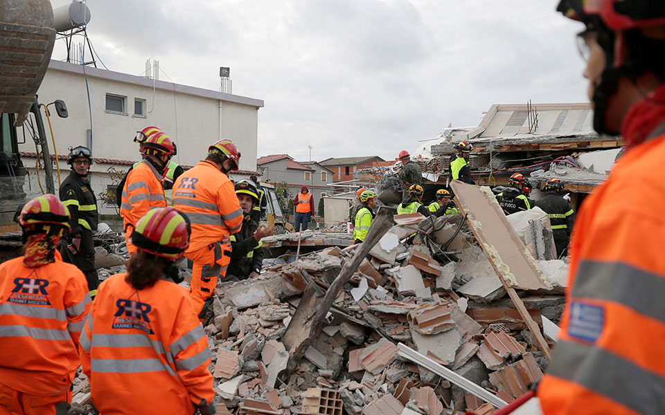 2019-11-27t150353z_1423148164_rc2rjd9jlp6t_rtrmadp_5_albania-quake