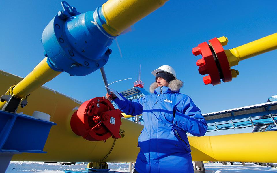 2019-12-01t141241z_1971066271_rc2emd9yt71y_rtrmadp_5_china-russia-gas-plant
