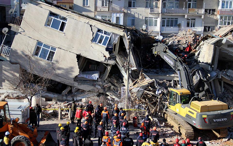 turkey_earthquake_85339jpg-6f56d-1
