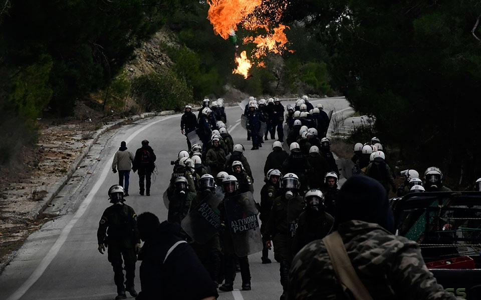 greece_migrants_61750jpg-17dcb