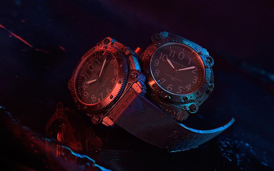 hamilton-belowzero-titanium-limited-edition-red--blue_h78505331--h78505332_lifestyle-1