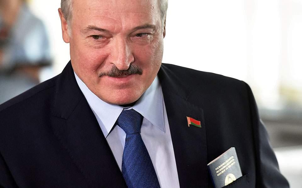 2020-08-09t083007z_2025249793_rc28ai9qduj0_rtrmadp_3_belarus-election-lukashenko-thumb-large--2