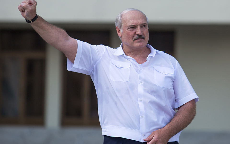 2020-08-16t143128z_352409403_rc22fi91kiz9_rtrmadp_3_belarus-election--2