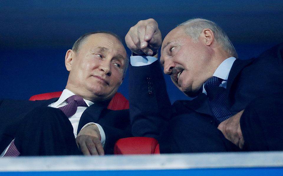 2020-08-27t112140z_1277907807_rc2bmi9owqk8_rtrmadp_3_belarus-election-russia-putin