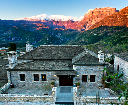 vasilis-iosifidis-idioktitis-toy-aristi-mountain-resort-amp-038-villas0