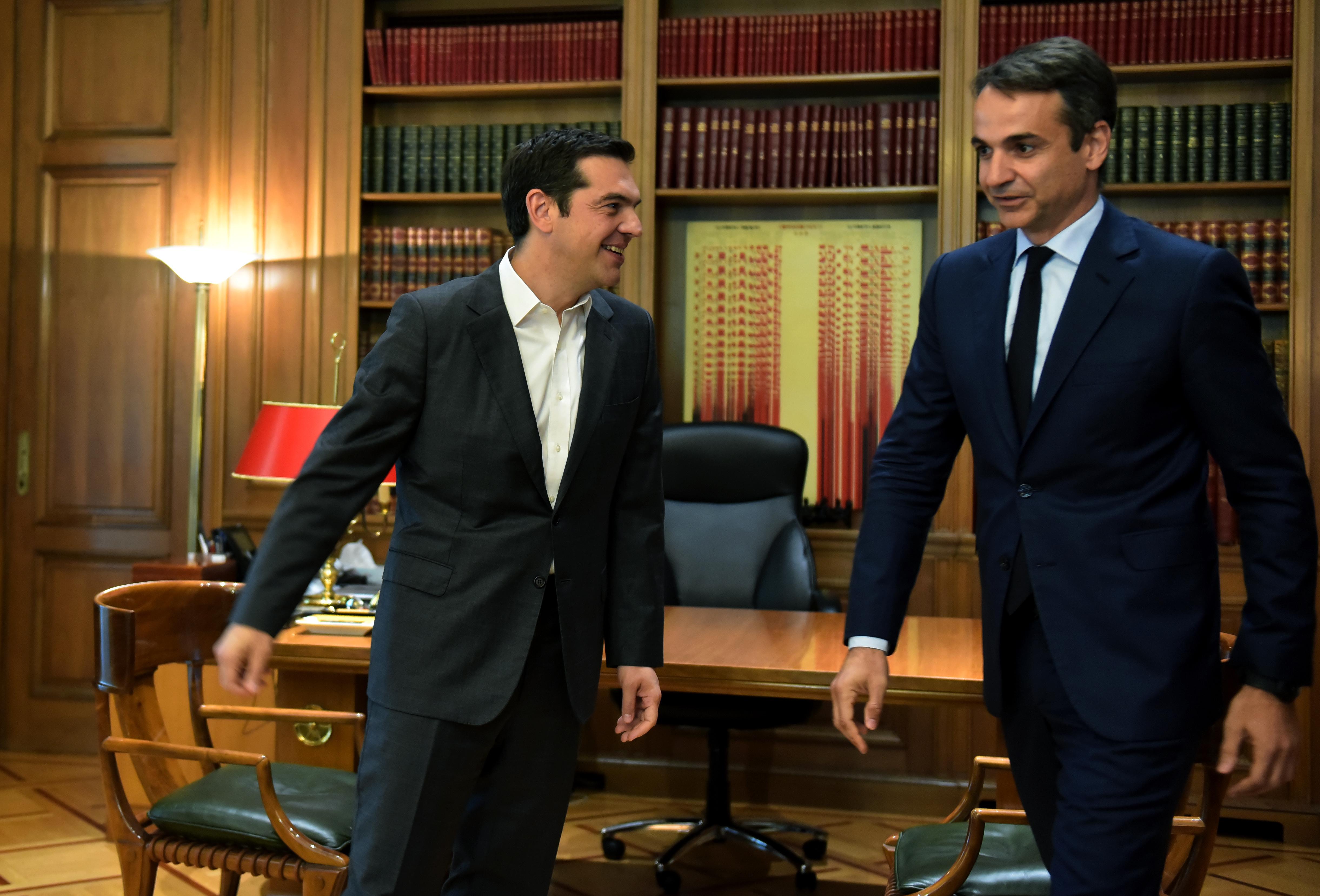 pyr-omadon-tis-antipoliteysis-sto-prosklitirio-tsipra2
