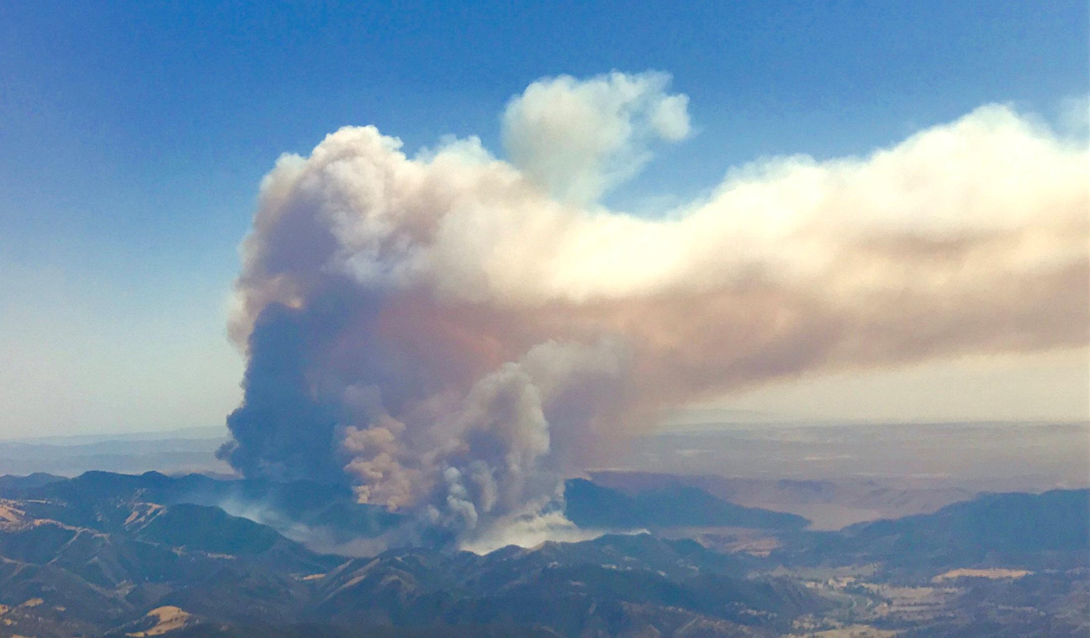 katastrofikes-pyrkagies-se-kanada-kai-kalifornia-amp-8211-chiliades-ektopismenoi-foto5