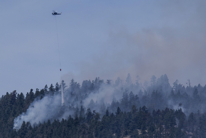 katastrofikes-pyrkagies-se-kanada-kai-kalifornia-amp-8211-chiliades-ektopismenoi-foto2