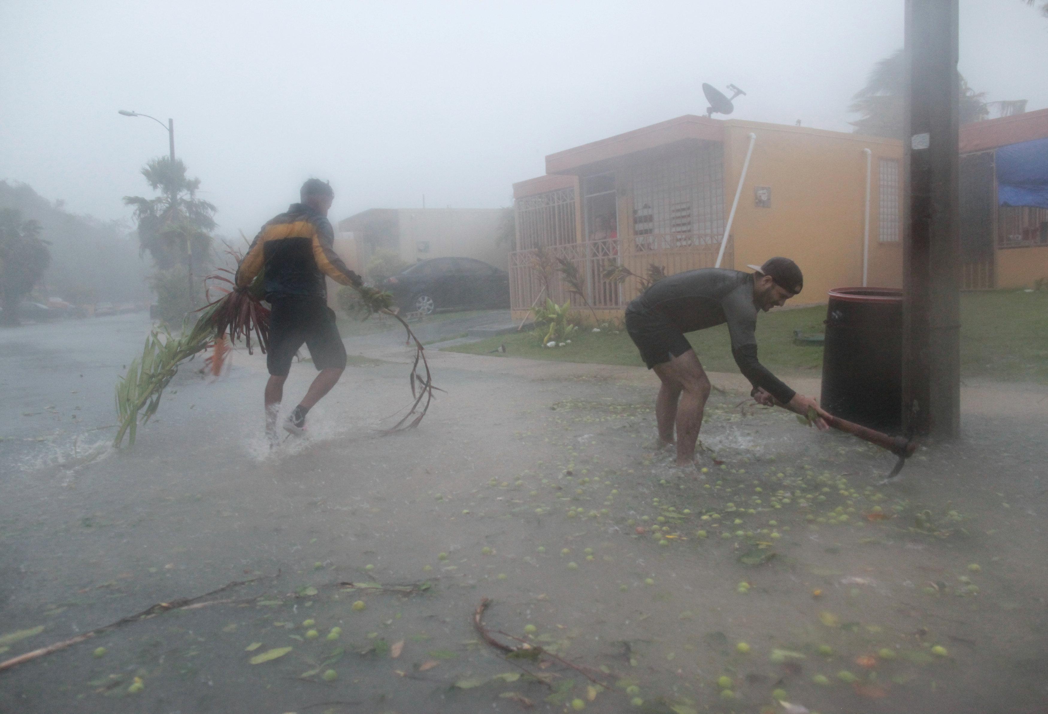 tyfonas-irma-vivliki-katastrofi-sta-nisia-tis-karaivikis3