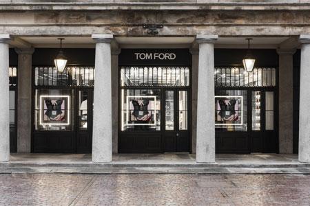 to-proto-katastima-tom-ford-beauty-anoixe-tis-portes-toy-sto-londino9