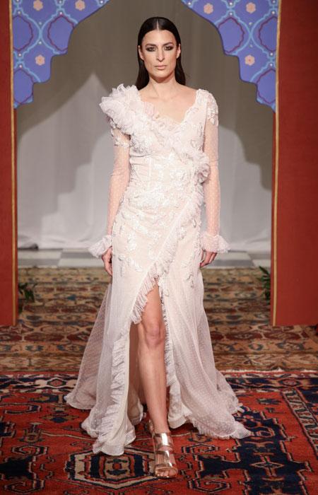 pantreyeste-6-paramythenia-nyfika-poy-xechorisame-apo-to-bridal-fashion-week-stin-athina1