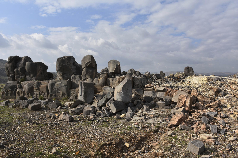 katastrofi-archaioy-naoy-sto-afrin-meta-tis-toyrkikes-aeroporikes-epidromes-fotografies3