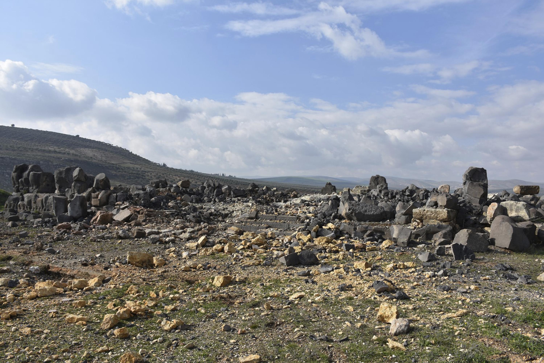 katastrofi-archaioy-naoy-sto-afrin-meta-tis-toyrkikes-aeroporikes-epidromes-fotografies1