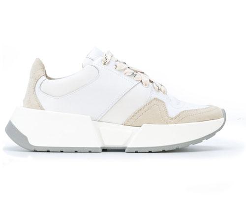 alitheia-eseis-posa-tha-dinate-gia-ena-zeygari-amp-8221-aschima-amp-8221-sneakers9