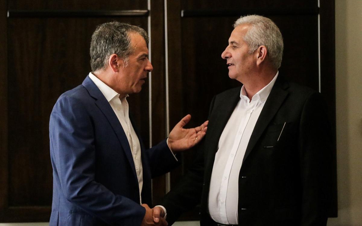 theodorakis-se-anastasiadi-ypostirizoyme-mia-kypro-enomeni5
