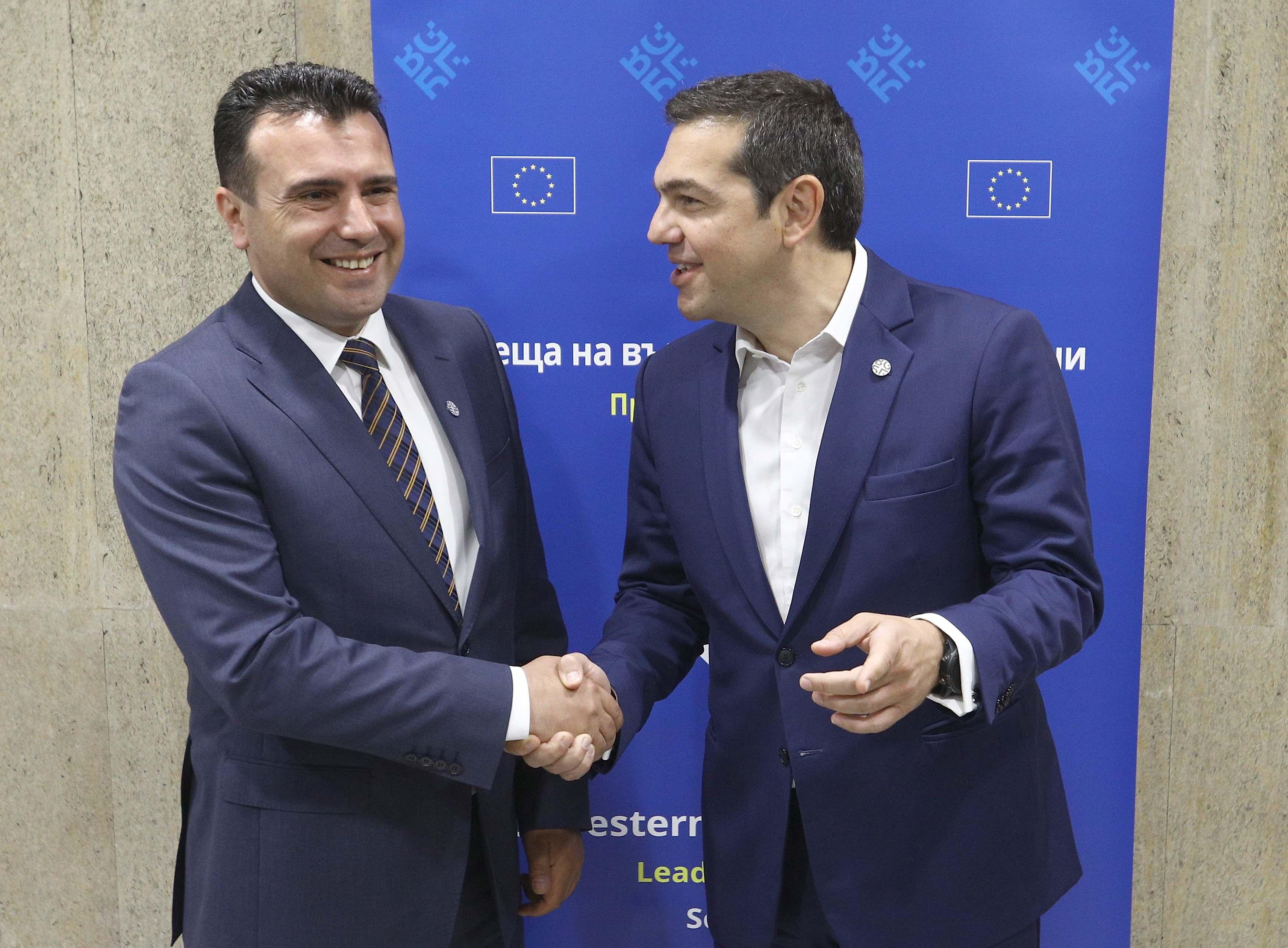 kare-kare-i-synantisi-tsipra-zaef-fotografies1