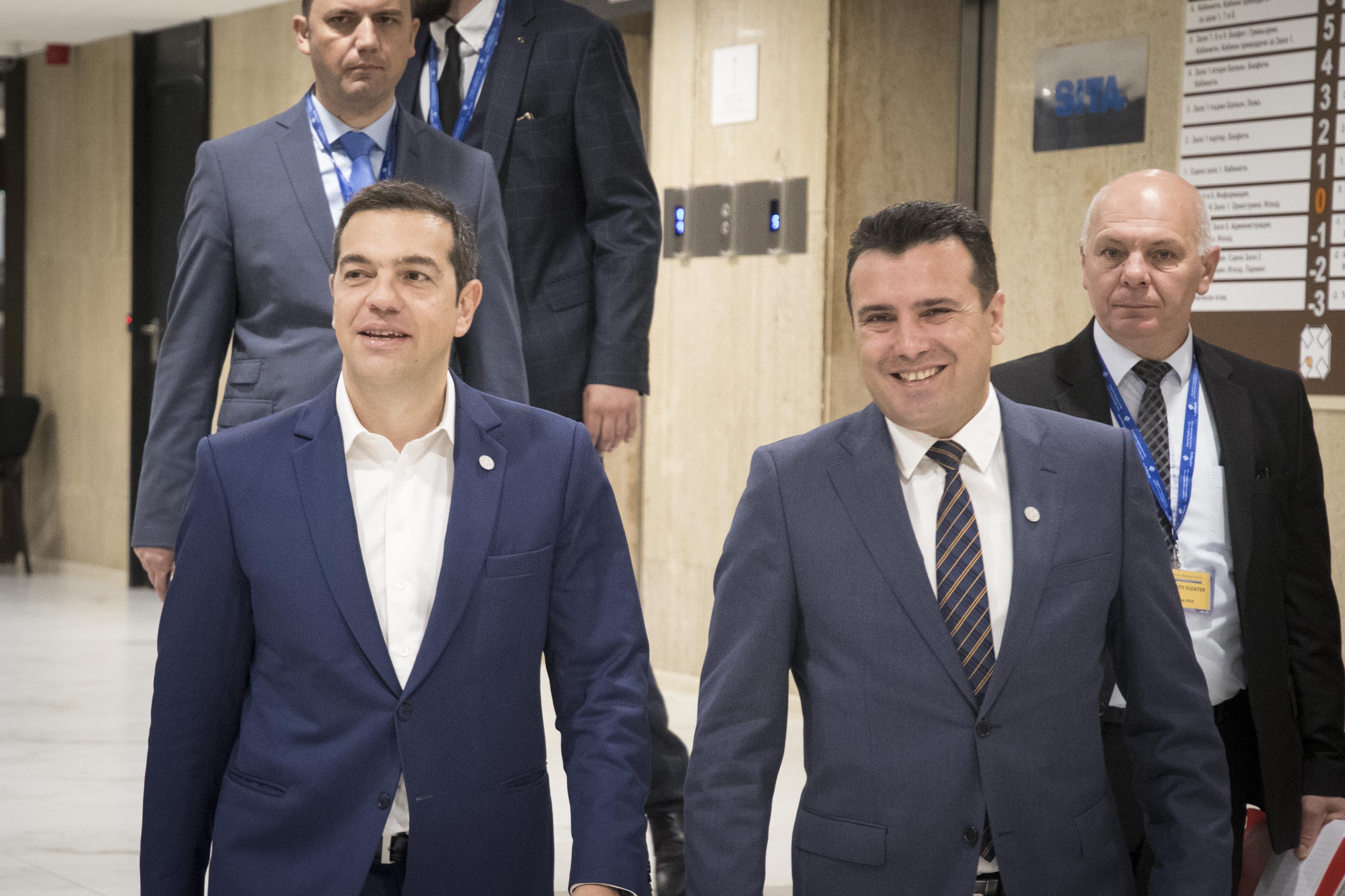 kare-kare-i-synantisi-tsipra-zaef-fotografies5