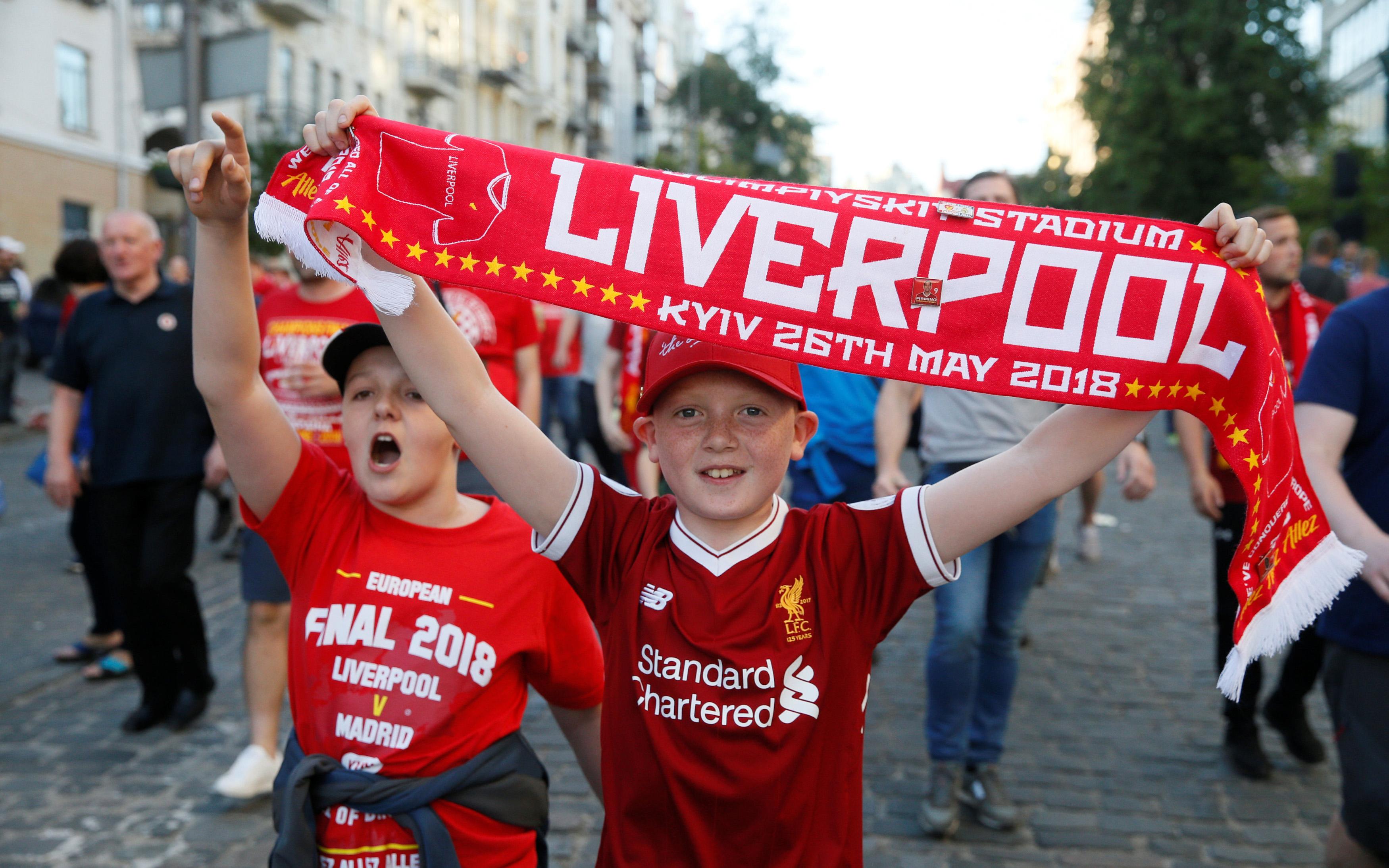 champions-league-opadoi-tis-real-kai-tis-liverpoyl-kateklysan-toys-dromoys-toy-kievoy5